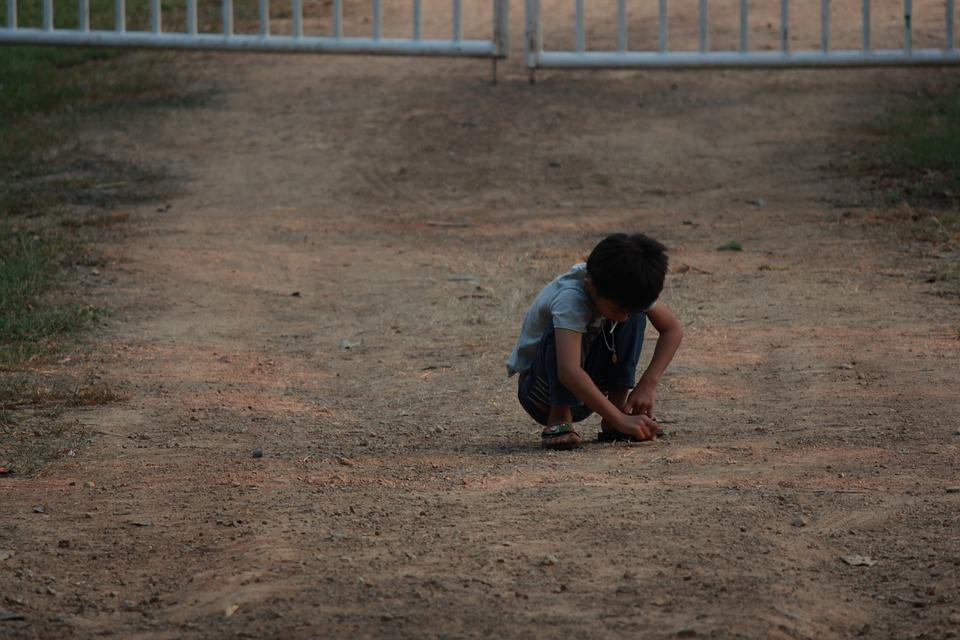 Los niños de la calle y los riesgos que enfrentan