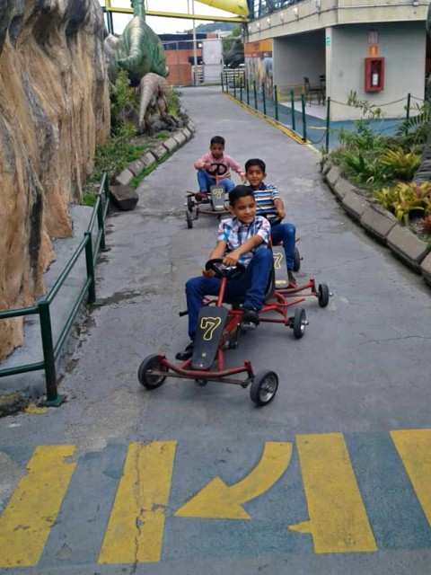 mauro-libi-crestani-ninos-de-la-casa-hogar-al-fin-disfrutan-vacaciones-en-parque-xtraventura