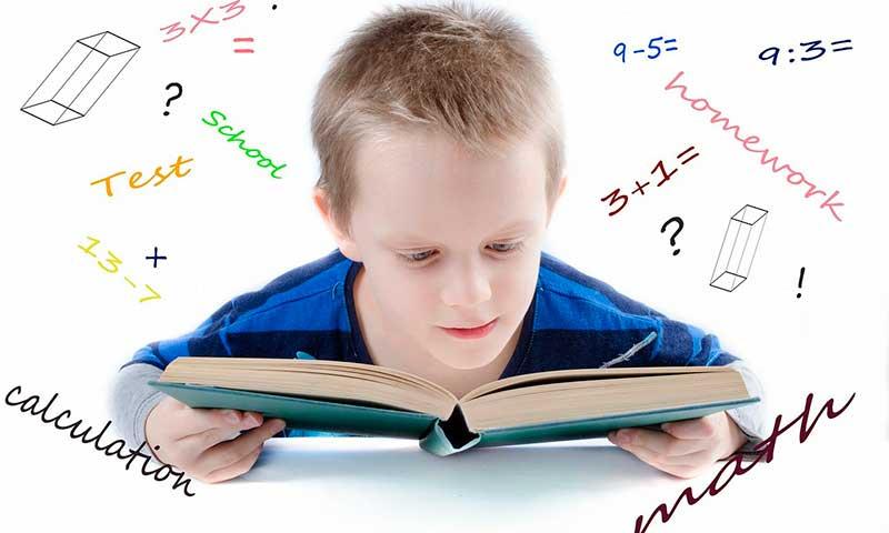 ¿Es bueno para los niños aprender a leer y a escribir antes de los 6 años?