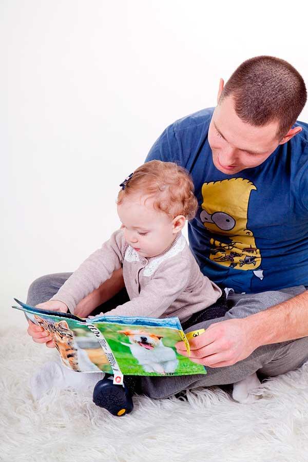 Mauro Libi Lea a los niños en libros y no en tablets 2 - Lea a los niños en libros y no en tablets